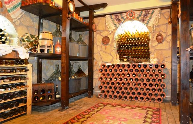 Creativitatea se intalneste cu utilul: mandreste-te cu pasiunea ta pentru colectionarea vinurilor