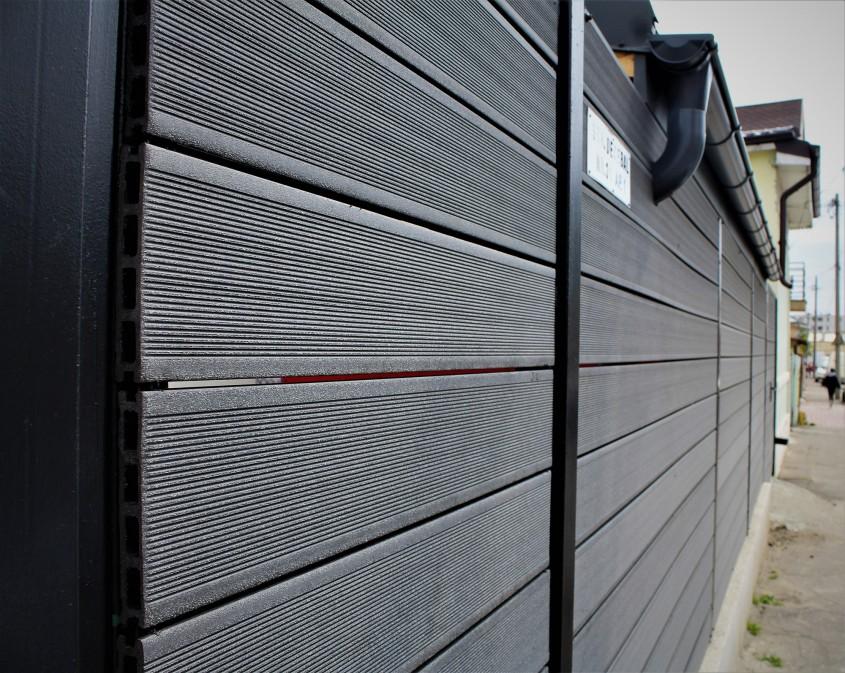 """Model gard """"Robust"""" din profile wpc 3.JPG - O alternativă modernă la gardurile clasice"""