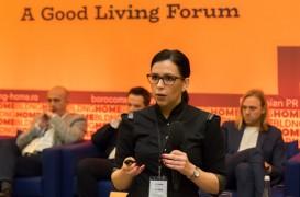 """Între casă și """"acasă"""" - un interviu cu arhitectul sârb Jelena Mitov"""