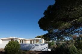 Casa MIMA, ultima dintr-o serie de locuinte prefabricate portugheze