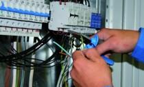 Cleste multifunctional pentru electricieni