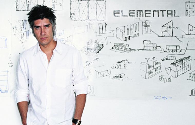 Arhitectul Alejandro Aravena este laureatul prestigiosului Premiu Pritzker 2016