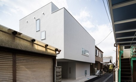O casa confortabila intr-un cartier aglomerat