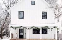 Cum îți decorezi casa de Crăciun? Idei simple pentru un exterior festiv