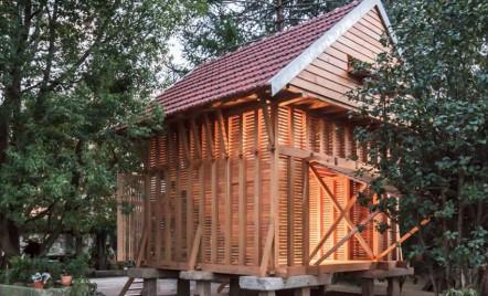 Un hambar vechi transformat într-un sanctuar al liniștii