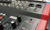 Mixerul în biserică – o necesitate sau nu? Cuplate la mixer microfoanele vor reda vocea cu
