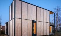 Simplitatea esteticii arhitecturale nipone aleasa pentru o casa din Belgia