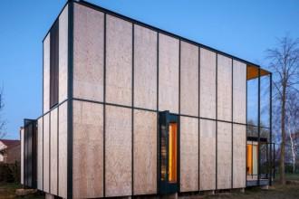 O casă de vacanță ce ilustrează simplitatea esteticii arhitecturale nipone