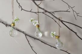 Cum transformi becurile arse în vaze decorative