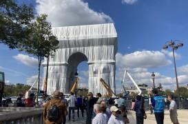 """Cel din urmă proiect al artistului Christo: """"Împachetarea"""" Arcului de Triumf"""