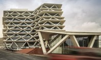Parasolare din beton protejeaza anvelopanta din sticla a aeroportului din Ghana Arhitectul italian Mario Cucinella a