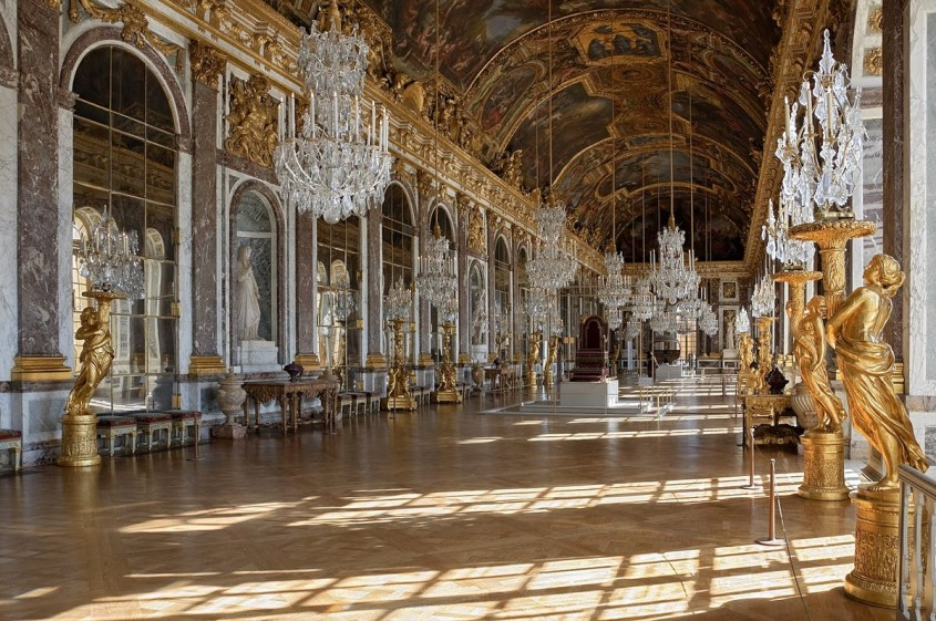 Un tur virtual al Palatului Versailles deosebit de detaliat (Video)