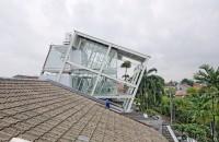 Casa nonconformista intr-un cartier select din Jakarta