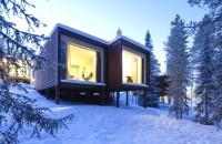 Arctic TreeHouse Hotel - 32 de structuri elevate pentru a minimiza impactul cu mediul  Un hotel deosebit, ca o casa in copac, a fost recent deschis in Finlanda: poti privi spectacolul Aurorei Boreale din intimitatea unei camere calduroase si confortabile.