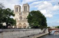 Biserici monumentale care au renăscut din propriile ruine