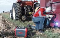 Echipamente de sudare mobile pentru mașini agricole - Sudare sub cerul liber