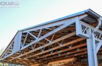Șarpante industriale din ferme de lemn cu plăcuțe multicui, realizate de Doxar