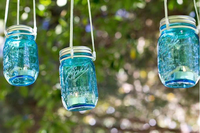 Cum îţi faci singur lumini decorative pentru curte sau terasă, cu ce ai prin debara