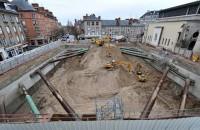 Un santier atipic in inima Orleans-ului  In cadrul unui vast program de restaurare a centrului, orasul Orleans a lansat in octombrie 2011 proiectul de construire a unei parcari subterane in apropierea Loirei, Piata Cheval Rouge