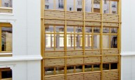 Fatada cu elemente din lemn design modern pentru o cladire din sec al XIX-lea Biroul de