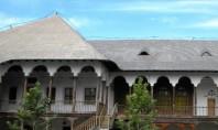 Hanul lui Manuc restaurare cu lemn si piatra naturala Hanul lui Manuc unul din monumentele istorice