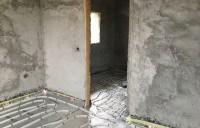 De la incalzirea cu lemne la incalzirea prin pardoseala. Reabilitarea unei case vechi din judetul Valcea