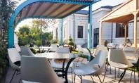 Mobilierul de terasă esențial pentru a te bucura de localul preferat și de primăvară fără compromisuri