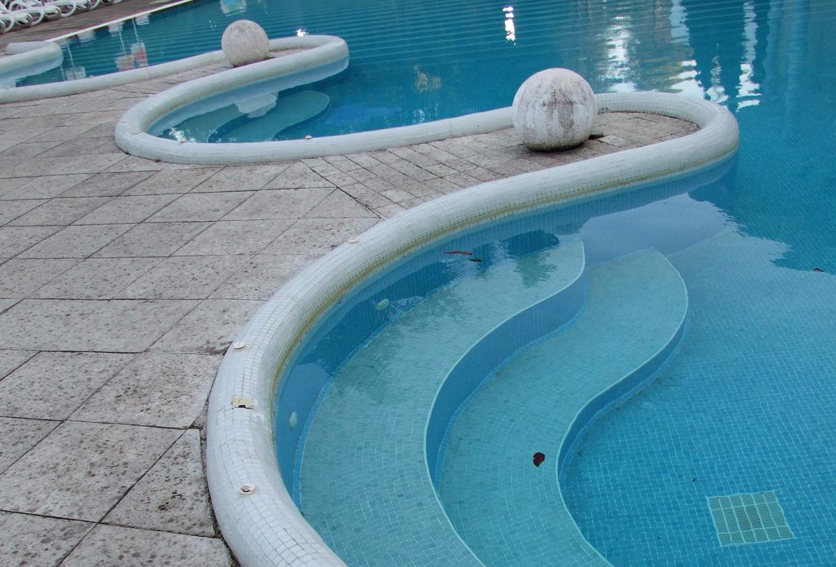 Trepte de acces piscina