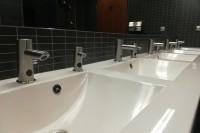 Dozatoare de săpun lichid cu senzor - încă o noutate de la Sanela