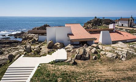 Alvaro Siza intervine asupra unei cladiri pe care a construit-o in tinerete