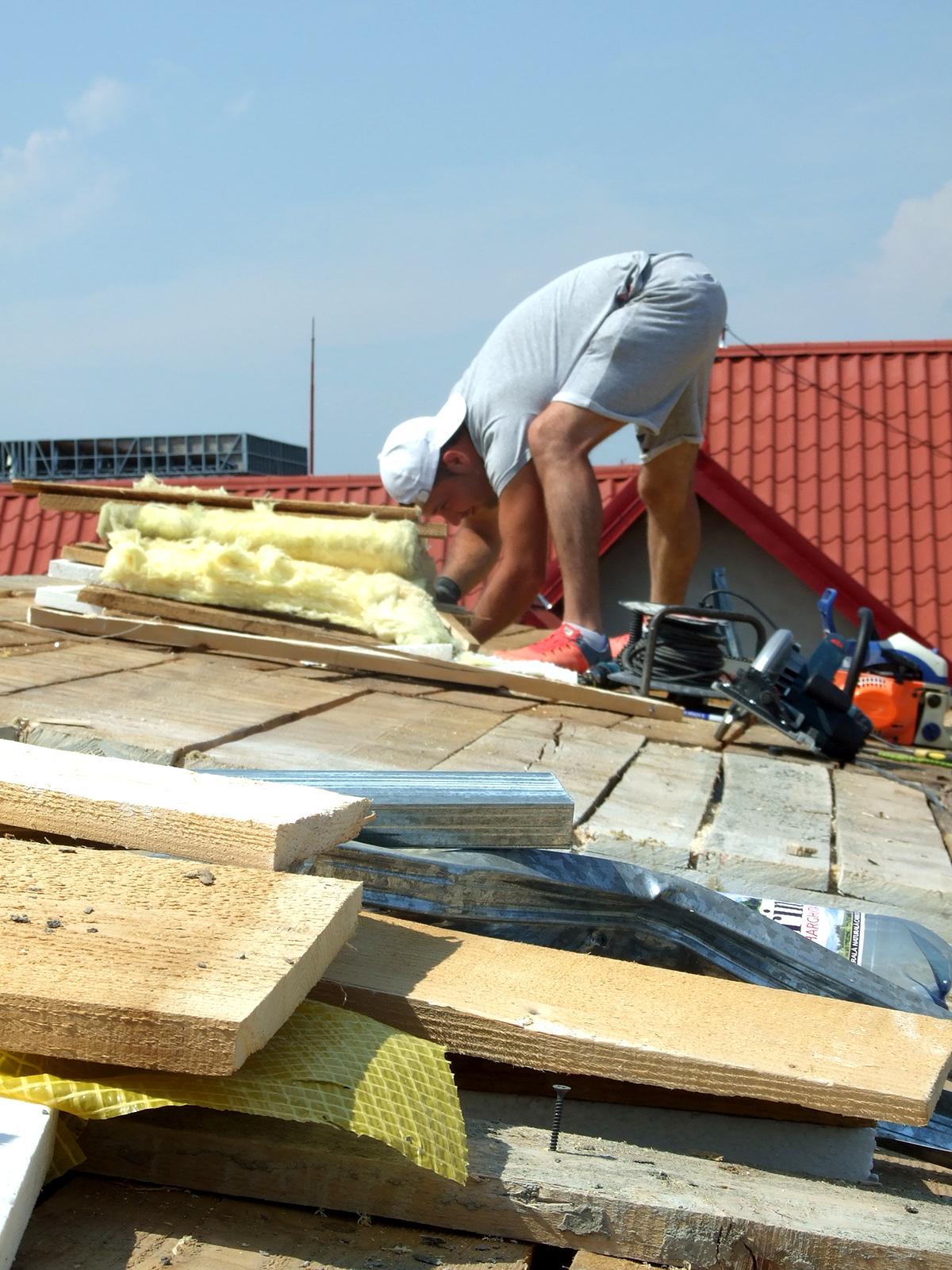 Siguranta pe santier - lucrul la acoperis