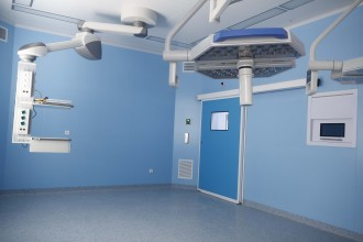 Sisteme automate de acces pentru spații medicale cu funcționalități și design contemporan