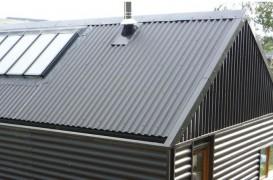 Tabla cutată pentru acoperiş – utilizări, avantaje, montaj