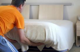 Cum repari un pat care scârțâie? 7 soluții, mai mult sau mai puțin obișnuite