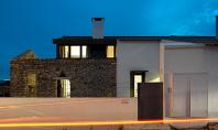 Casa Cabrela locuinta moderna invaluie ruinele din piatra Casa Cabrela reuseste sa combine frumusetea elementelor arhitecturii