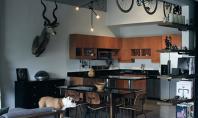 Un loft pentru un medic stomatolog pasionat de designul industrial Designerul de interior Chris Cushingham a