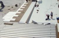 Soluții pentru recondiționarea acoperișurilor din metal