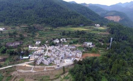 Case cu acoperișuri grădină, exemplu de reconstrucție durabilă după un dezastru