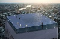 """Prima piscină """"infinity"""" cu priveliște de 360 de grade, o minune tehnologică în vârful unui zgârie-nori"""