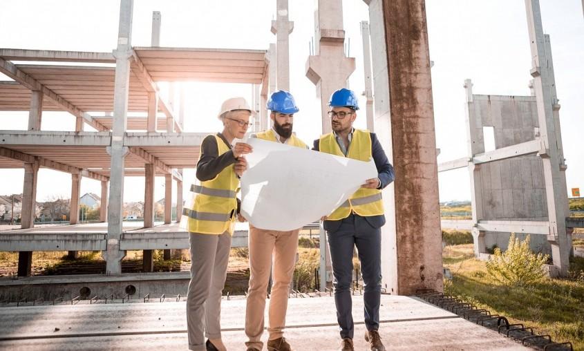 Cum îți poți înființa o firmă de construcții în România?