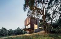 Casa Invermay, volume din beton si lemn in mijlocul naturii