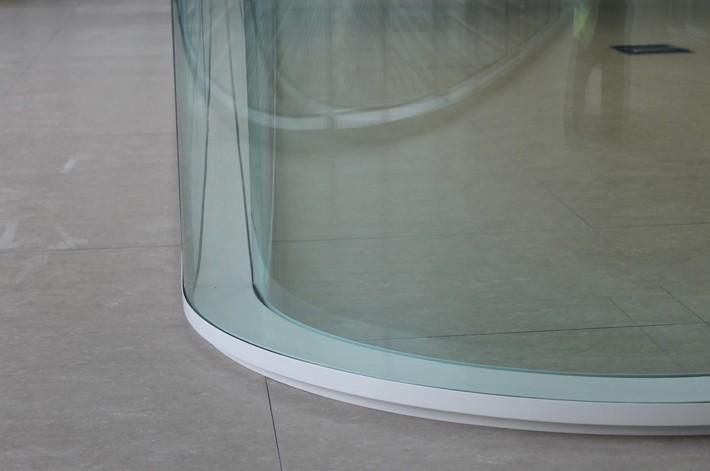 Pereti despartitori cu colturi de 90° curbate – sistem PRIMACY cu doua foi de sticla de