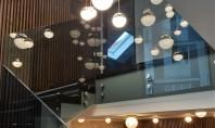 Utilizarea balustradelor din sticlă atât la interior cât și la exterior Producția și prelucrarea sticlei este