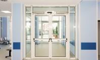 Creează o atmosferă primitoare în spital prin alegerea unor uși automate cu un design aparte Spațiile