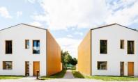 Case alimentate cu energie solara care produc mai multa decat consuma Biroul Street Monkey Architects a