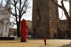 Sculptura monumentala in miscare: de la Liverpool la Baia Mare