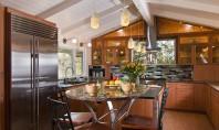 Vara în bucătărie cum împrospătezi aerul fără să deschizi fereastra? Gatitul vara este problematic din cauza