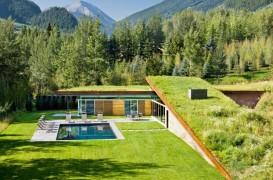 O casa acoperita cu pamant si vegetatie pentru un plus de eficienta