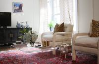 Luxul nomad din apartamentul Yanei si al lui Petar