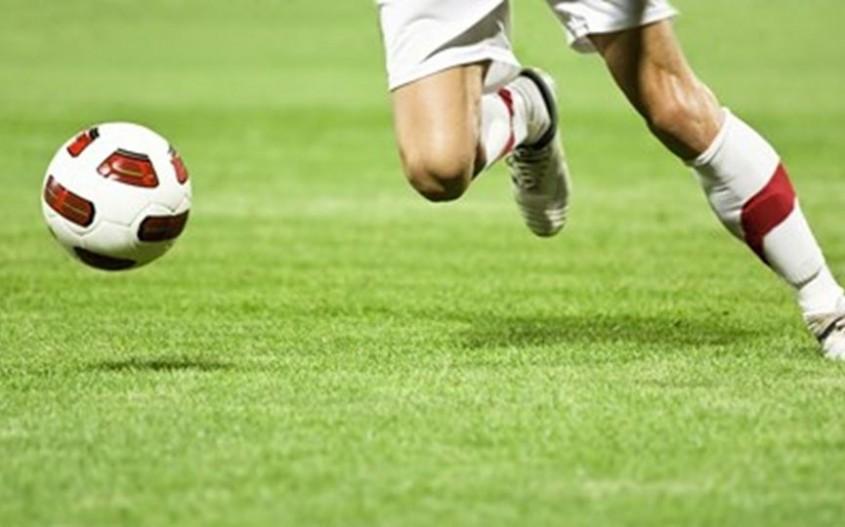 Microplasticele din terenurile de sport, un pericol pentru sănătate. Pluta este alternativa naturală
